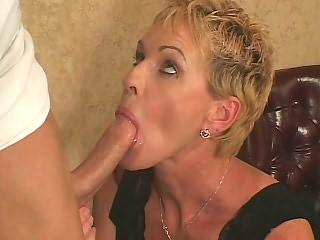 Julie Mandrews
